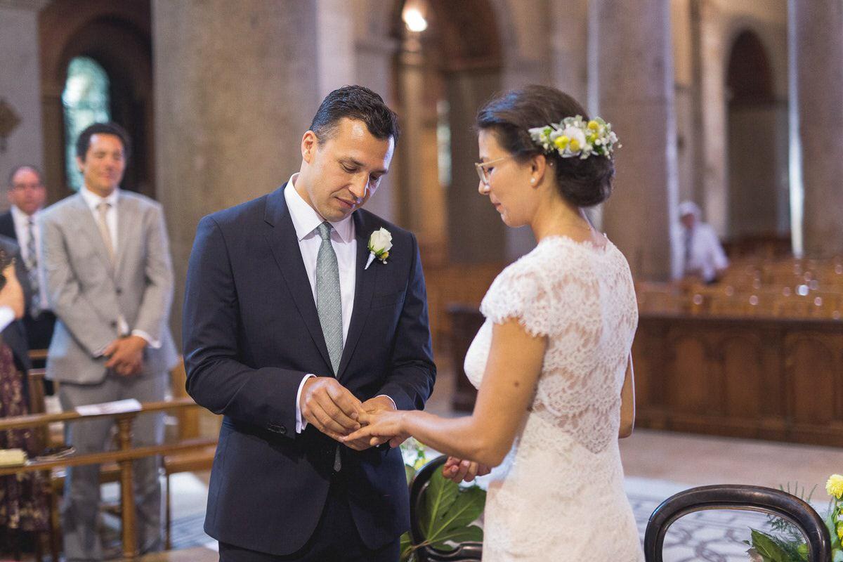 Cérémonie lors du mariage à l'église d'Ainay à Lyon 2.