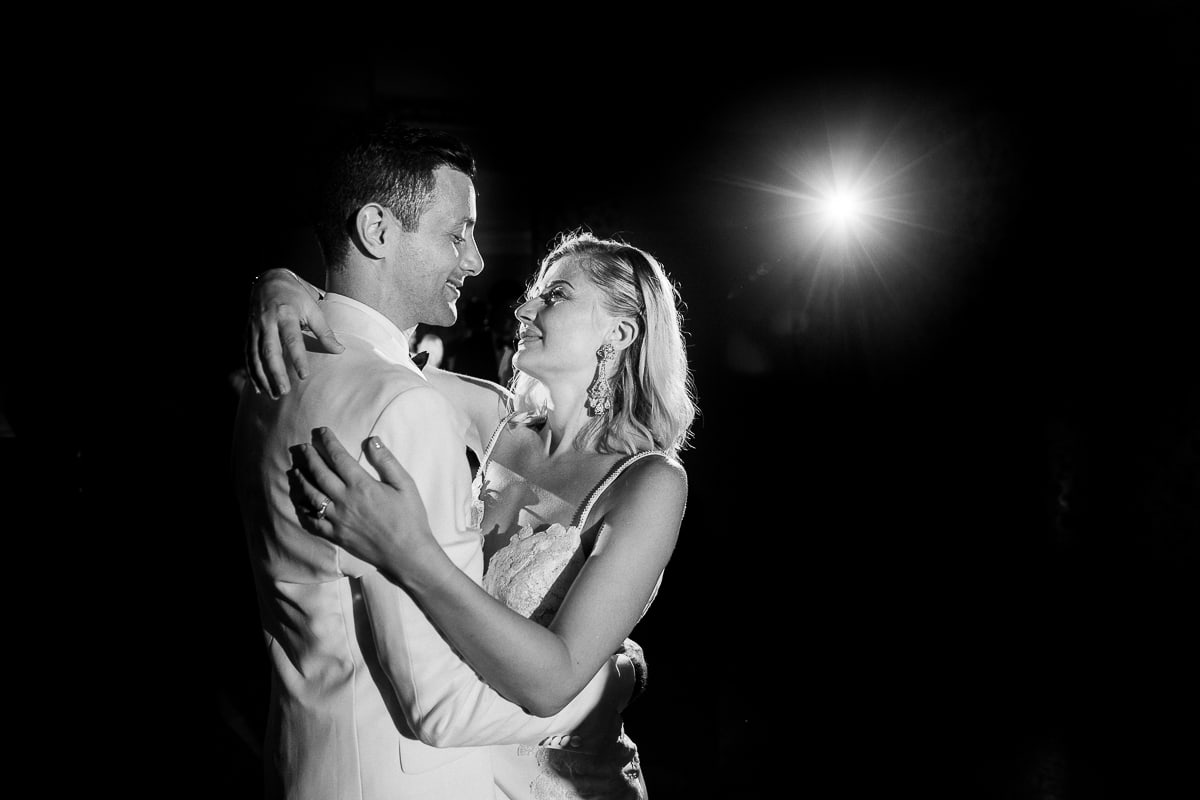 Wedding in Aix en Provence at la Bastide de Puget by the photographer Sylvain Bouzat.