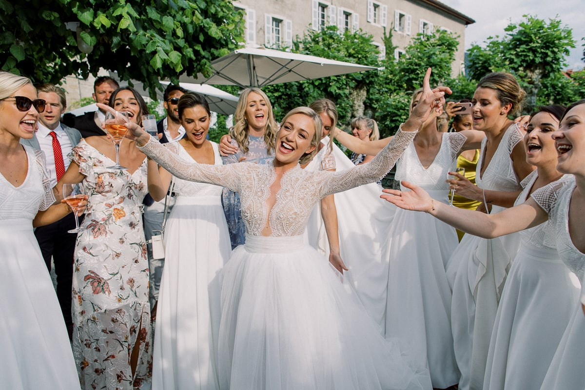 Wedding in Annecy at the Abbaye de Talloires by the photographer Sylvain Bouzat.