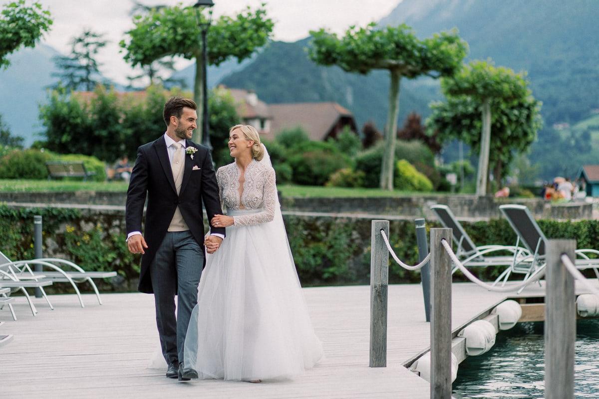 Mariage à Annecy à l'Abbaye de Talloires par le photographe Sylvain Bouzat.