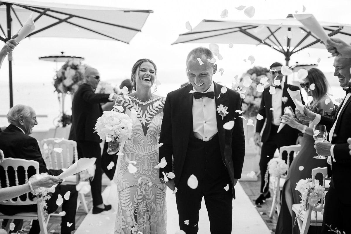 Cérémonie lors du mariage à Antibes à l'hôtel Belles Rives.