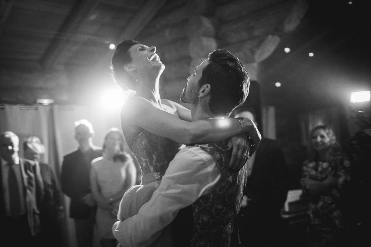 Soirée de mariage à la Cabane des Praz à Chamonix avec le photographe Sylvain Bouzat.