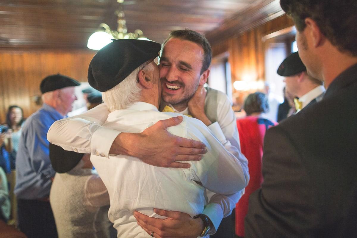 Soirée au Refuge de montenvers pendant le mariage à Montenvers au dessus de la Vallée de Chamonix.