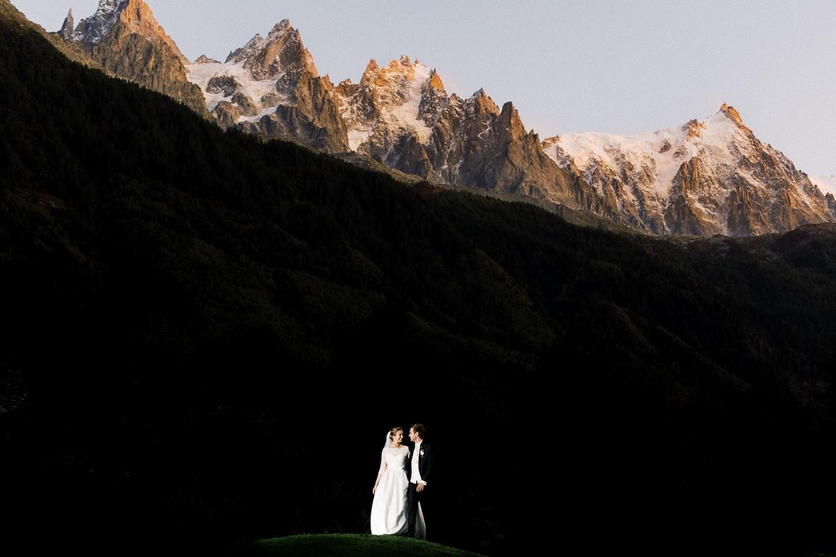 Photographe mariage Chamonix Sylvain Bouzat dans les Alpes françaises.