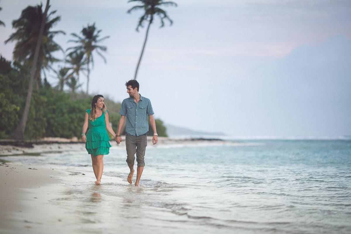 Session photos de couple avant le mariage en Guadeloupe par le photographe Sylvain Bouzat.