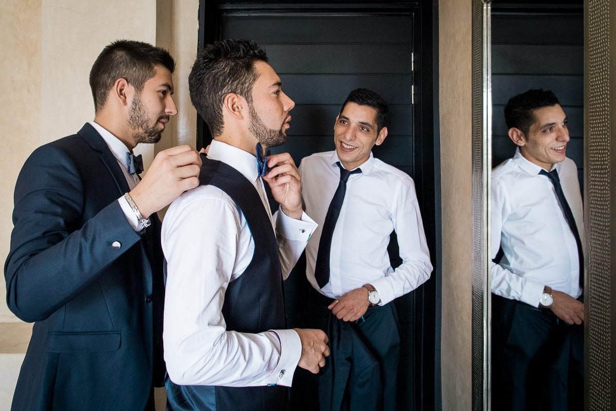 Preparation during a wedding in Marrakech by the photographer Sylvain Bouzat.