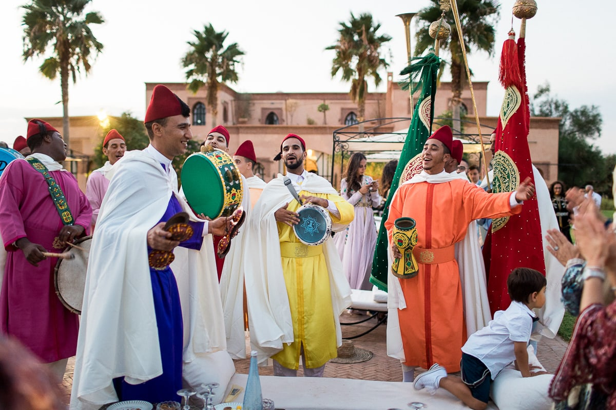 Traditional ceremony during a wedding in Marrakech by the photographer Sylvain Bouzat.