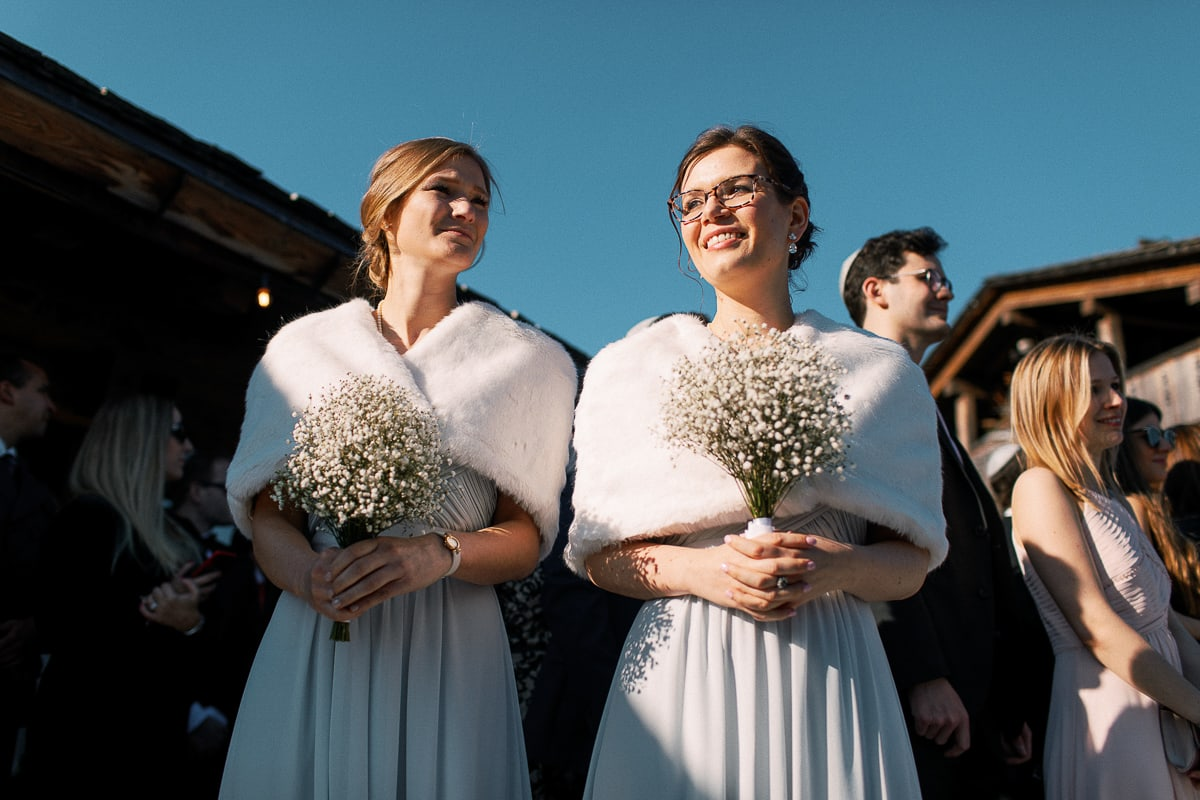 Wedding ceremony in Megeve at the Hotel Alpaga by the photographer Sylvain Bouzat.