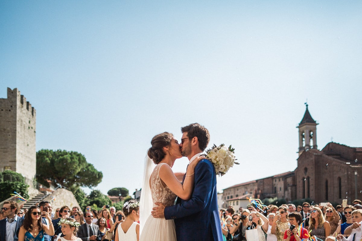 Wedding ceremony in Tuscany at Villa Castelletti in Florence by photographer Sylvain Bouzat.