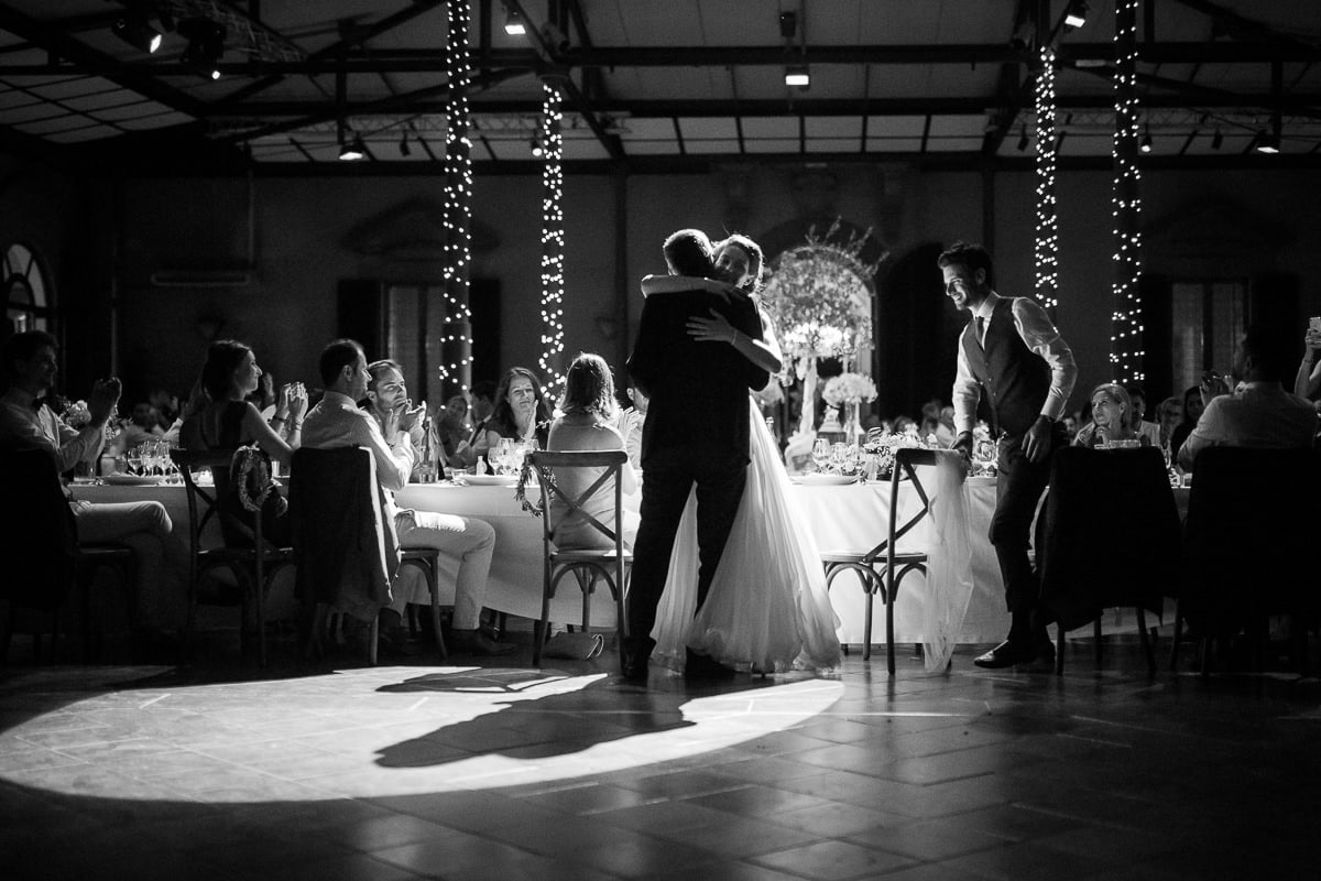 Wedding evening in Tuscany at Villa Castelletti in Florence by photographer Sylvain Bouzat.