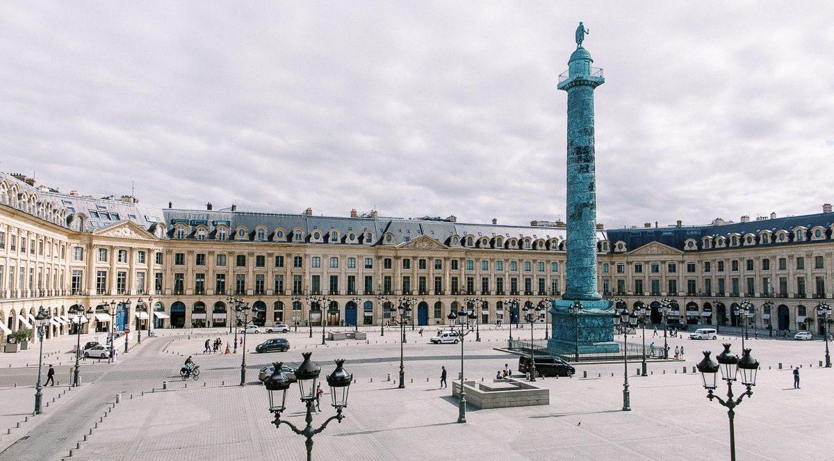 Vue de la place Vendôme depuis l'hôtel Ritz Paris.