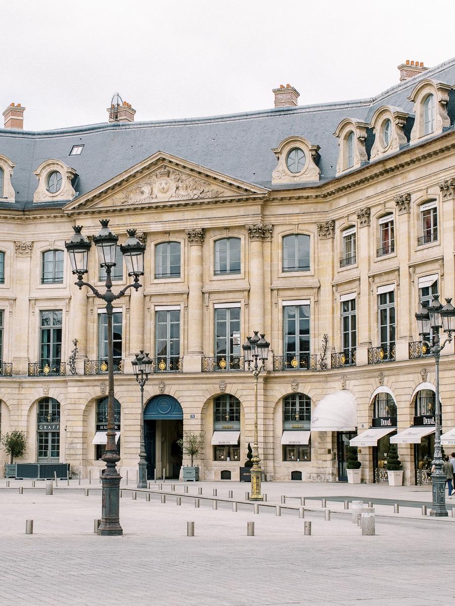 Bâtiment de la place Vendôme vers le Ritz Paris.