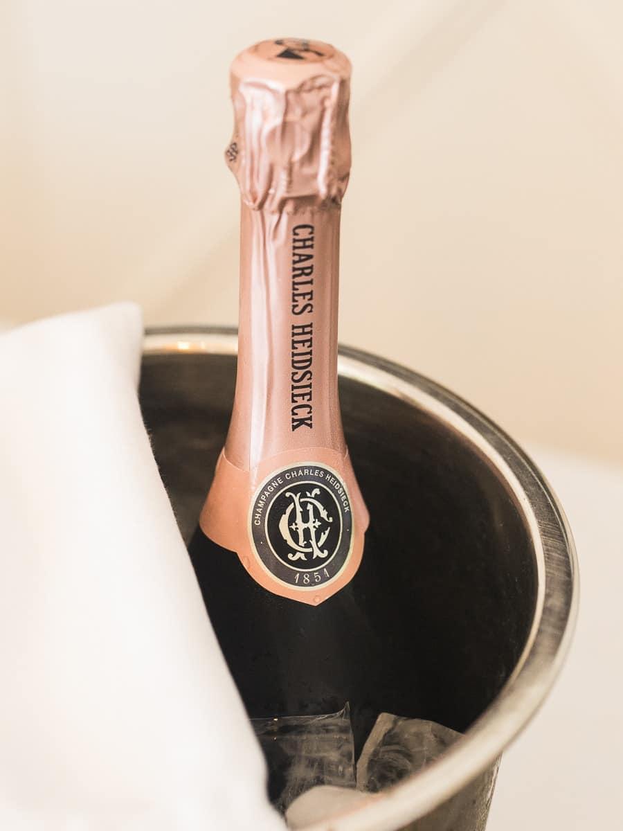 Détail champagne à Megève.